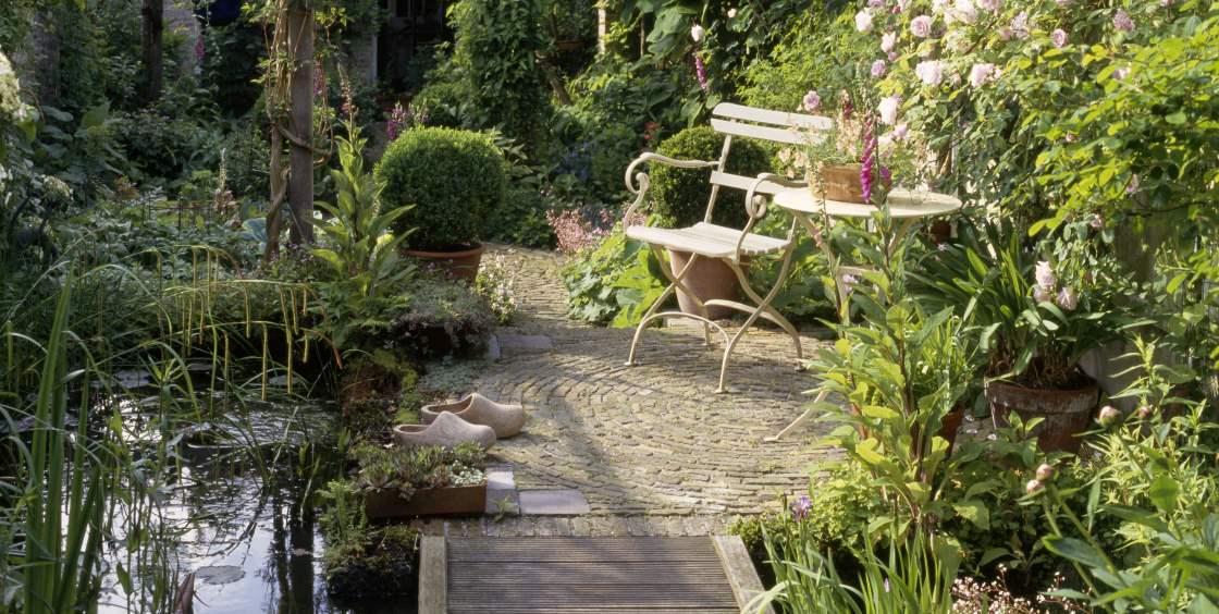 Gartenteichbau richtig planen tipps von meister meister for Gartenteich planen teichbau
