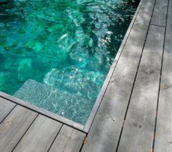 Meister & Meister Pool Holzterrasse