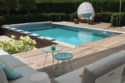 Kleiner Garten mit Pool